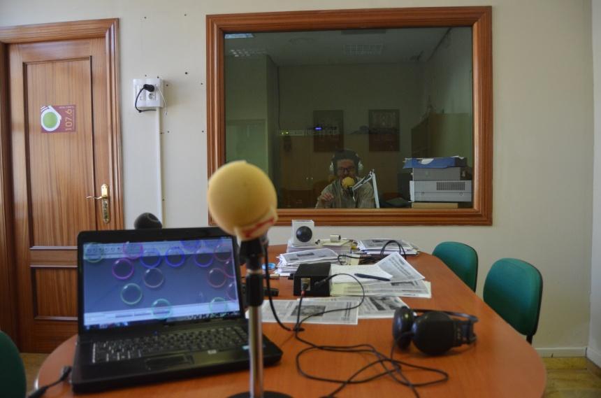 Radio Alcalá mesa